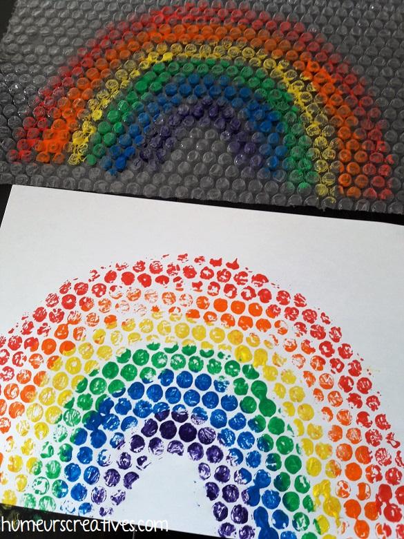 réaliser un arc-en-ciel avec du papier bulle
