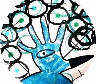 réaliser un paon en empreinte de main