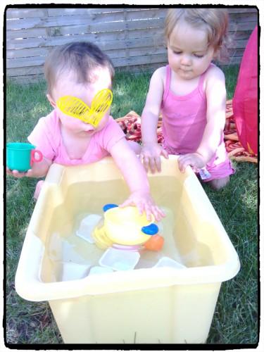 Nos après midi ensoleillés à jouer avec l'eau