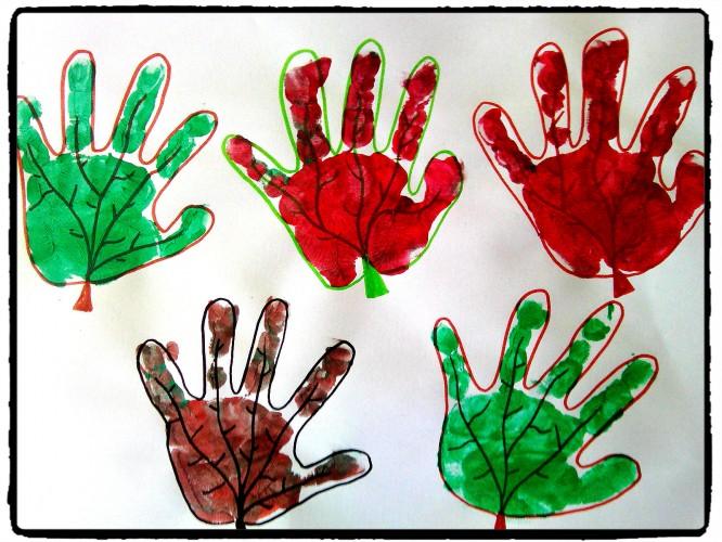 Feuilles en empreintes de mains