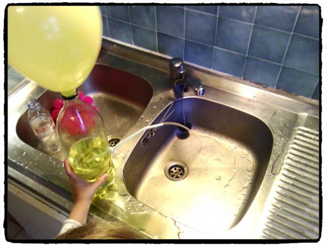 Expérience : fontaine à eau et à air