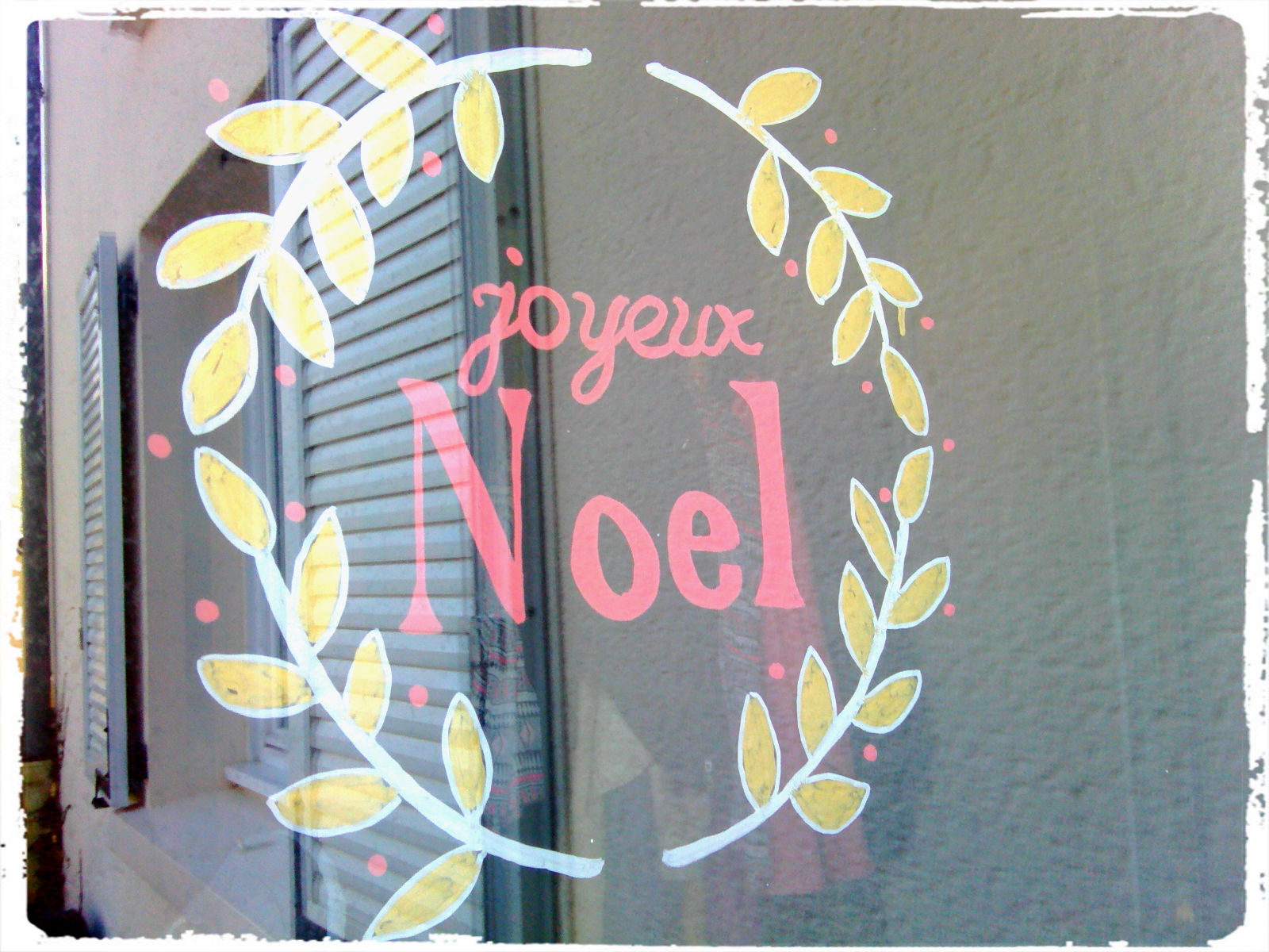 D corations de fen tre pour no l mes humeurs cr atives for Decoration fenetre posca