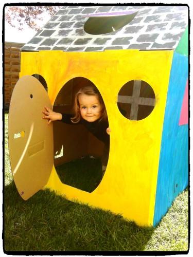 Une cabane en carton à personnaliser avec Les Cabanes d'Evan (test)