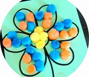 bricolage de printemps : fleur en playmais