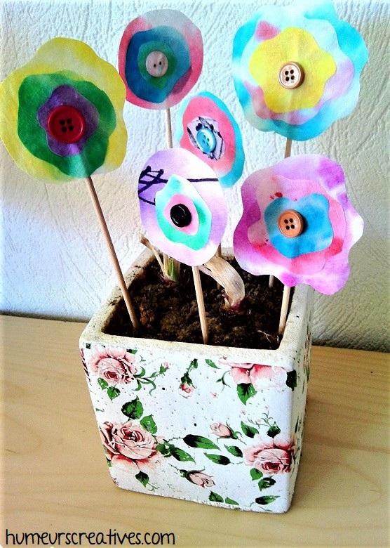 Bouquet de fleurs réalisées avec des filtres à café