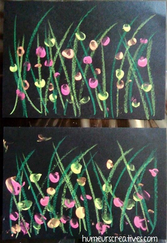 champs de fleurs sauvages avec empreintes de doigts des enfants