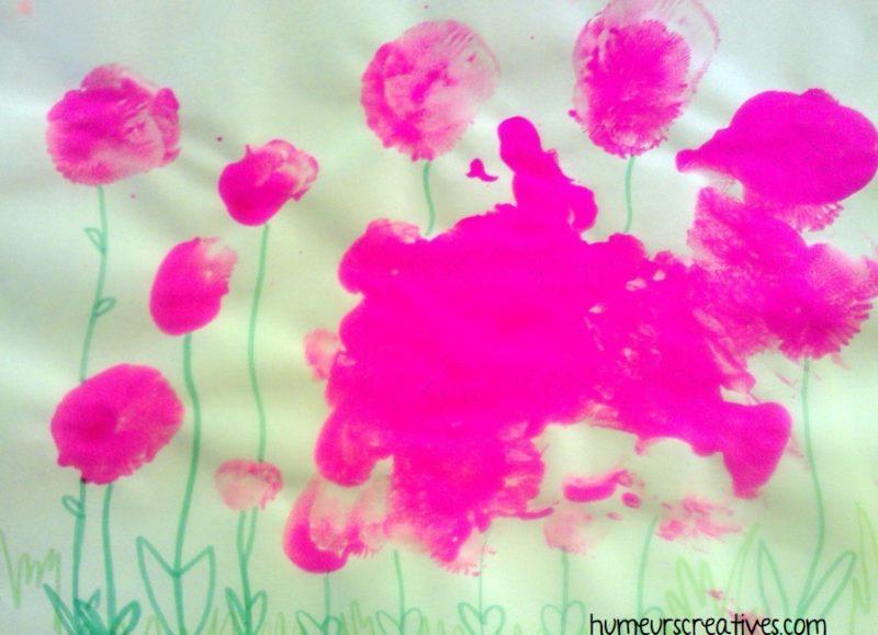 fleurs roses réalisées avec des ballons de baudruche