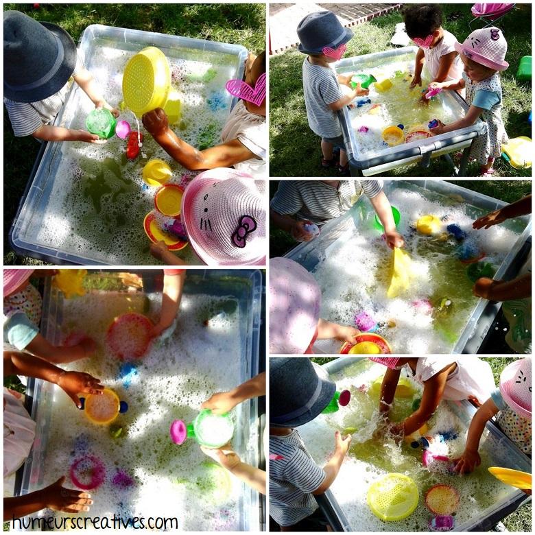 jeux d'eau pour enfants : de l'eau et du liquide vaisselle pour faire de la mousse