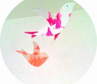 Mobile d'oiseaux en papier