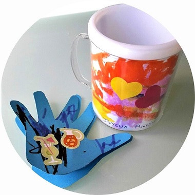 Cadeau pour la fête des Pères : un mug à décorer par les enfants