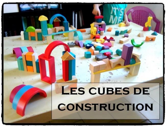 Les cubes de construction en bois