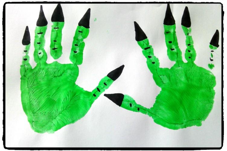 Montres-moi tes mains de monstres