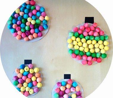 FAbriquer des boules de Noël avec les enfants