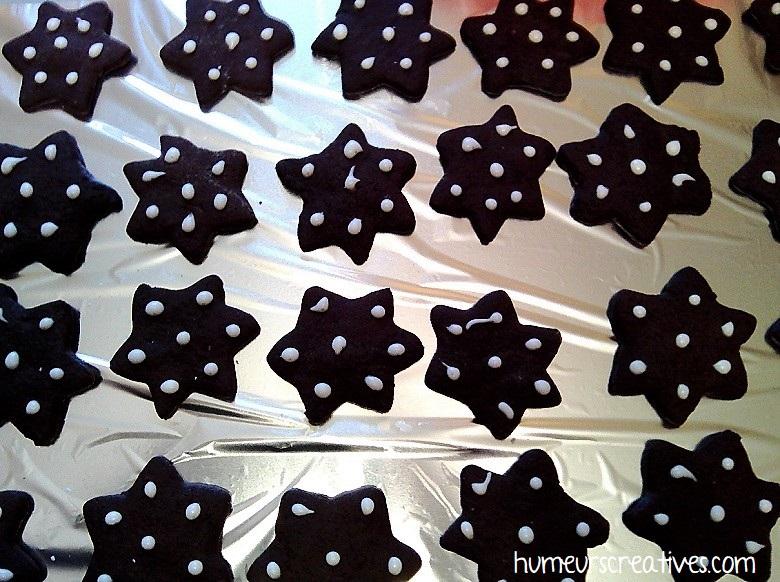 Biscuits de noel au chocolat et à la cannelle