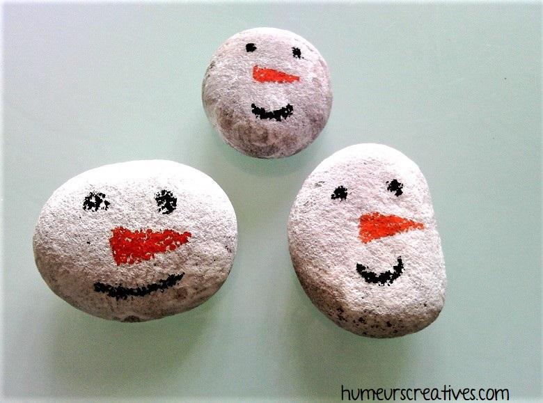 bonhomme de neige avec des galets
