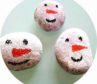 Fabriquer des bonhommes de neige avec les enfants