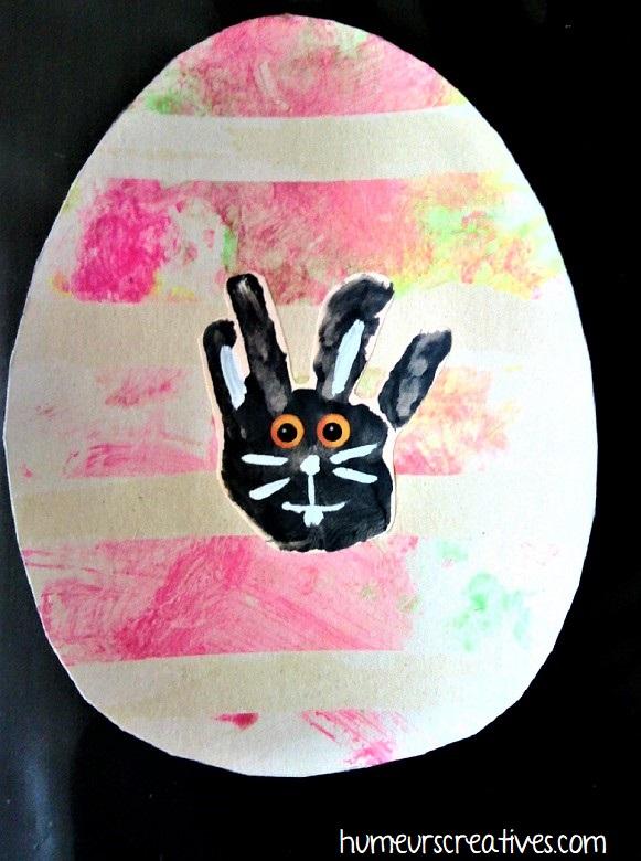 Empreinte lapin dans oeuf de Pâques