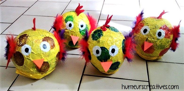 poules de pâques en papier mâché