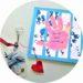 Cadeau fait maison pour la fete des mères : une carte empreinte de main et un porte clé en plastique fou