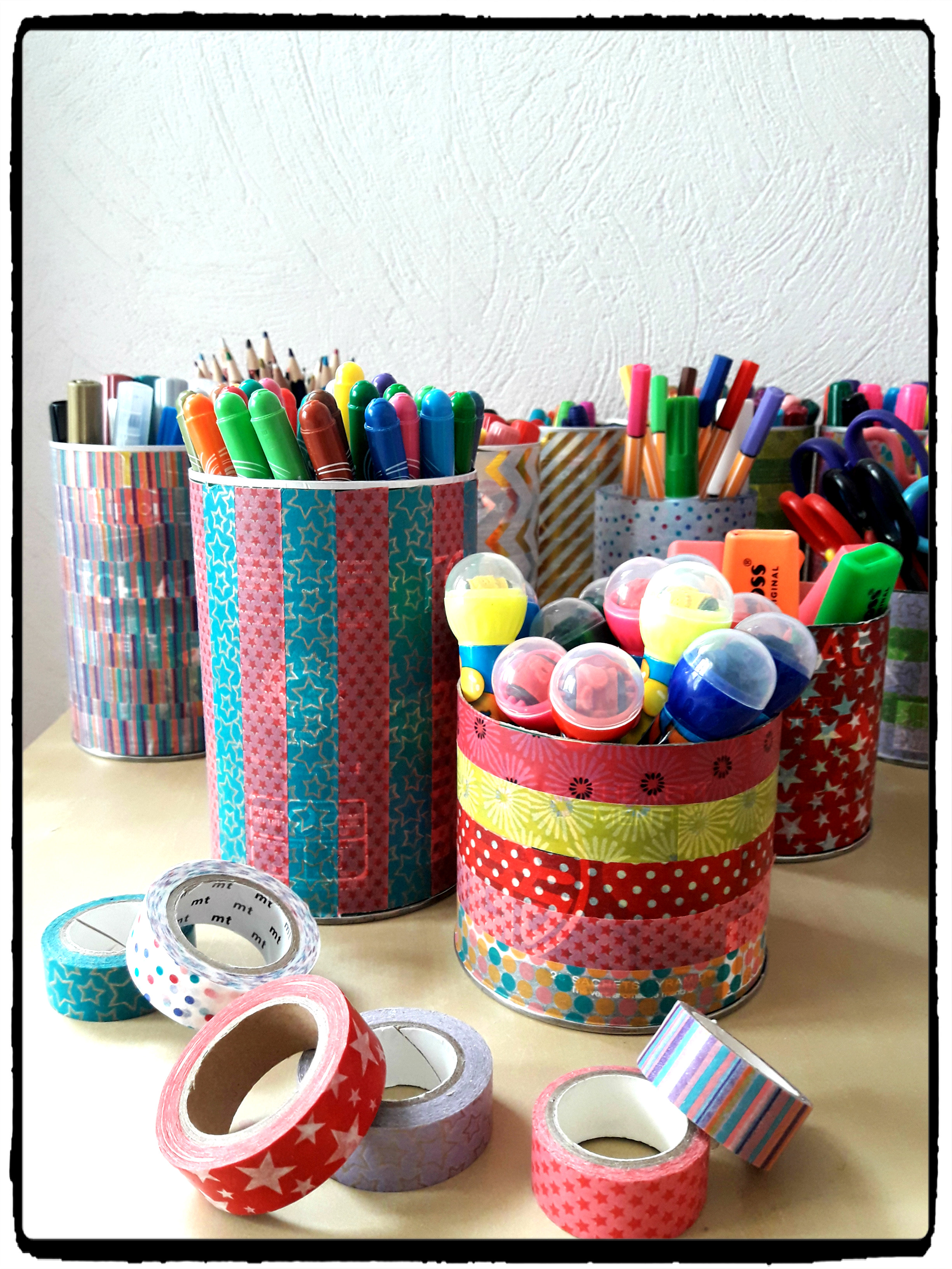 recyclage fabriquer des pots crayons color s mes humeurs cr atives. Black Bedroom Furniture Sets. Home Design Ideas