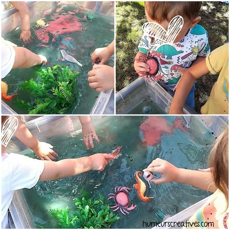 les enfants s'amusent avec ce bac sensoriel sur l'océan