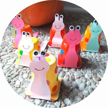 Bricolage pour enfant : un escargot en pot de yaourt