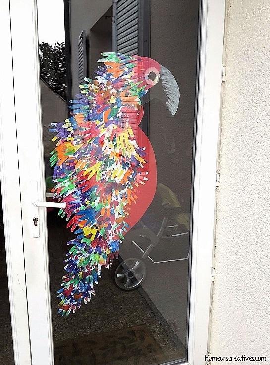 décoration de notre porte d'entrée avec le perroquet