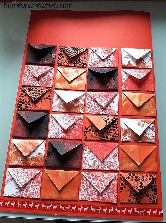 collage des enveloppes du calendrier de l'avent