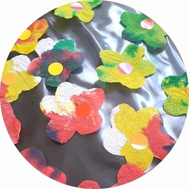 bricolage de printemps : fleurs sur papier essuie tout