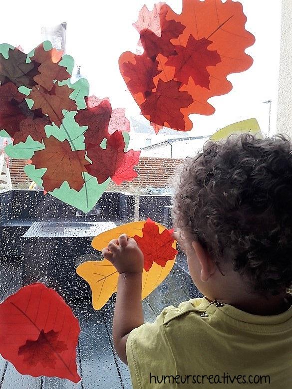 vitraux d'automne avec collage de feuilles d'automne
