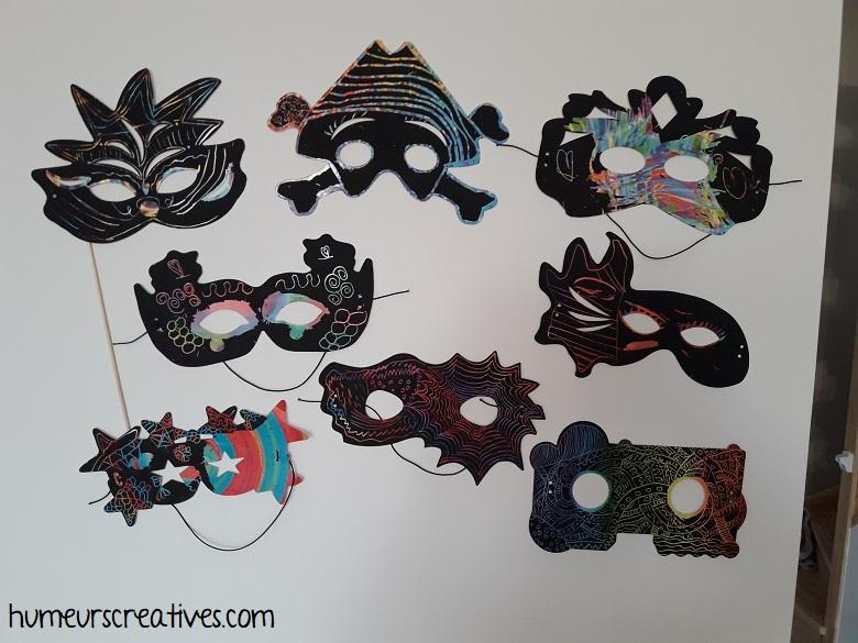 masques à gratter décorés par les enfants