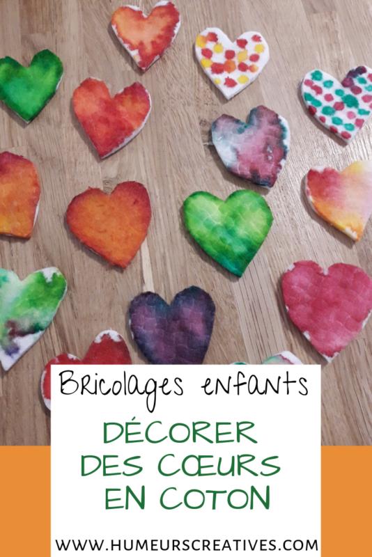 bricolage pour enfant : décorer des coeurs en coton pour la saint valentin