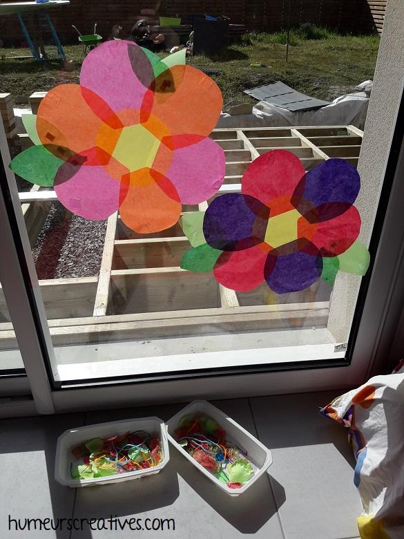 invitation à jouer et créer : réaliser des attrapes soleil en forme de fleurs pour enfants