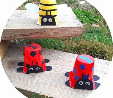 bricolage pour enfants : fabriquer des coccinelles et des abeilles avec des pots de yaourt