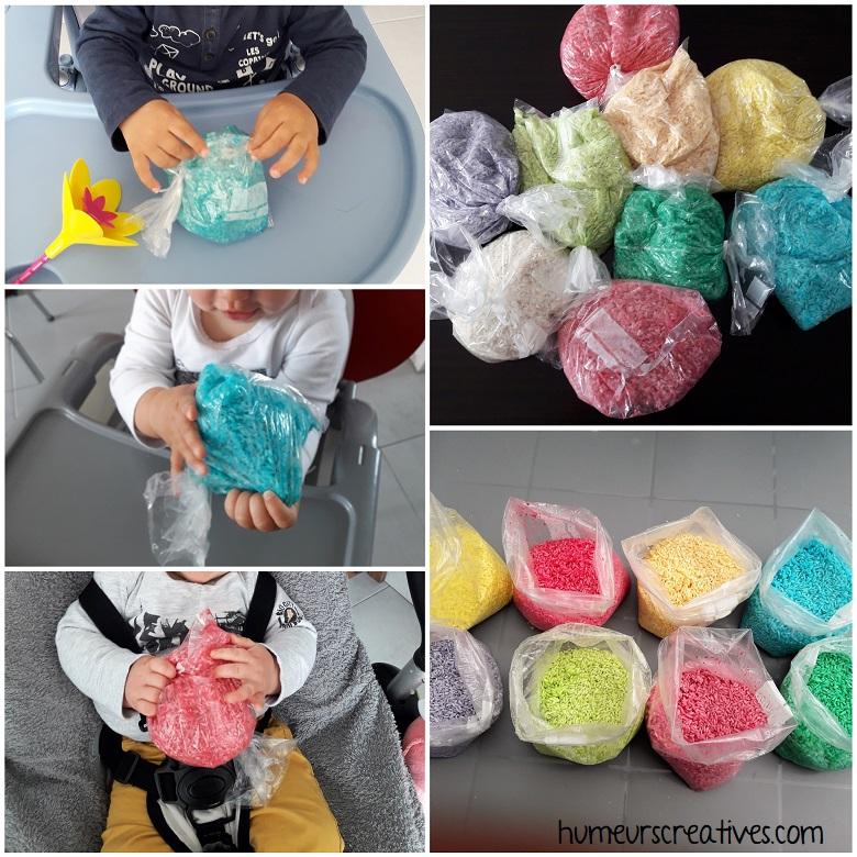 on mélange le riz et le colorant dans les sacs de congélation