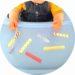 Atelier de motricité fine pour enfants : décoller des morceaux de scotch