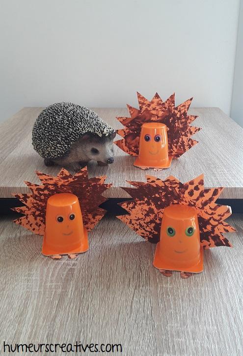 réalisation des hérissons avec un pot de yaourt - bricolage pour enfants
