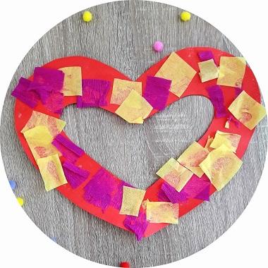 Bricolage coeur en papier crépon