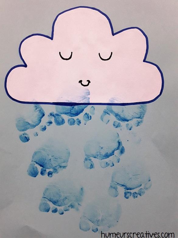 Bricolage pour enfants : représenter la pluie avec les empreintes de pieds