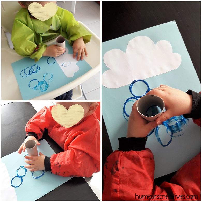 Faire des empreintes de rouleaux de papier toilette pour représenter la pluie
