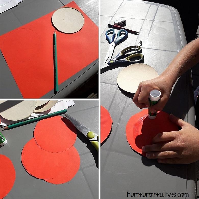 découpez des ronds dans du papier rouge