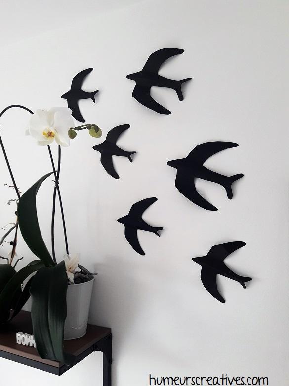 déco oiseaux en papier sur le mur