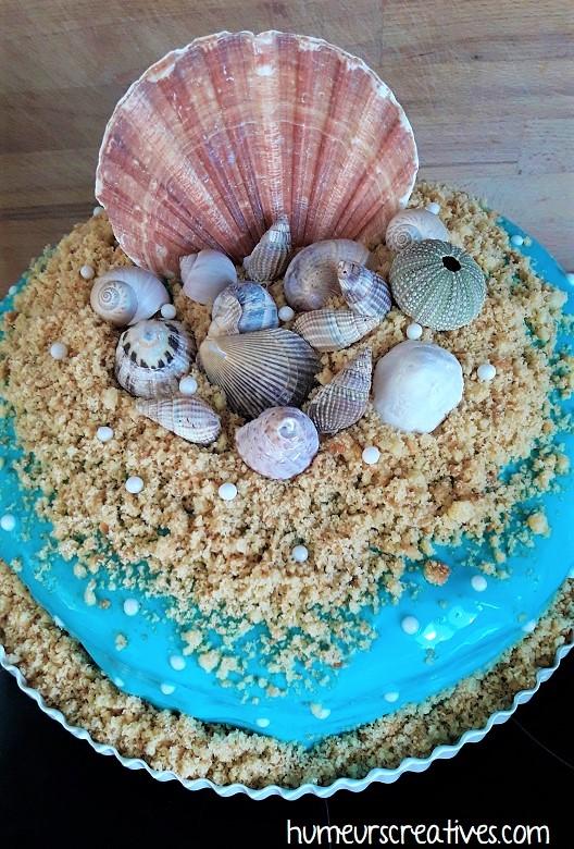 décoration du gateau d'anniversaire sur la mer