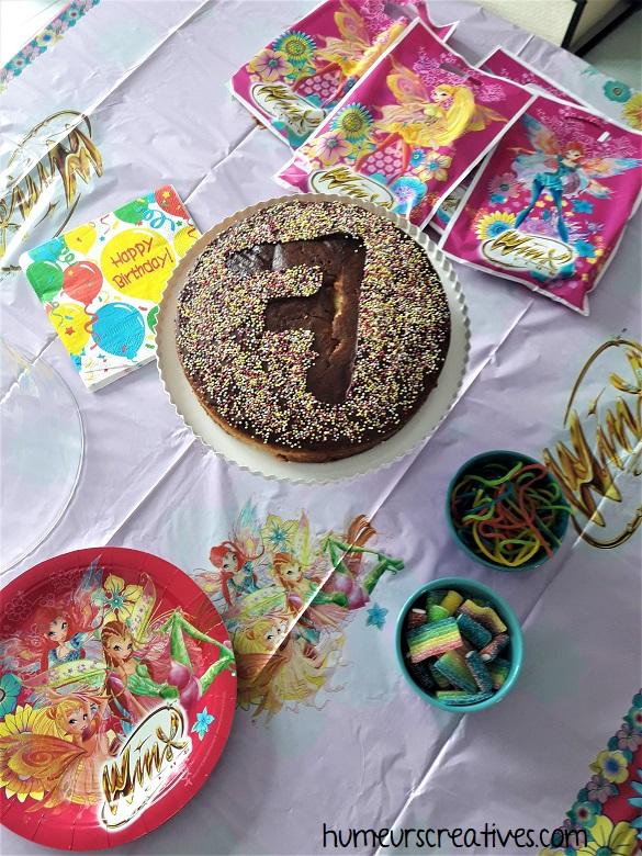 décoration de table anniversaire winx pour enfants