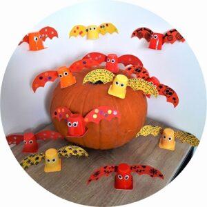chauves souris d'Halloween réalisées par les enfants