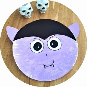 Bricolage d'Halloween : fabriquer un vampire avec une assiette en carton