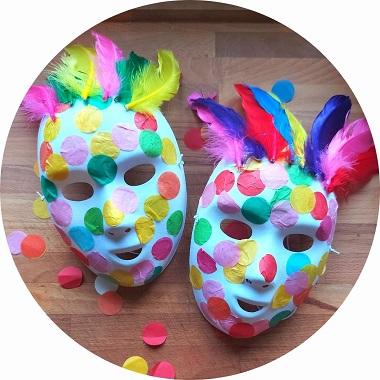 Fabriquer des masques de carnaval avec les enfants