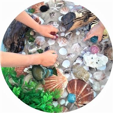 Bac sensoriel sur la mer, activité pour les enfants